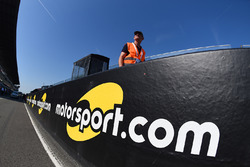 Motorsport.com logo in the pitlane