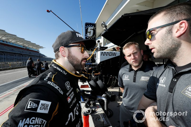 James Hinchcliffe with Arrow Schmidt Peterson Motorsports general manager Taylor Kiel and his race engineer Will Anderson at COTA, February 2019.