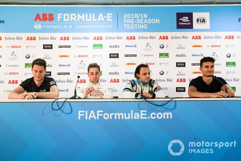 Стоффель Вандорн, HWA Racelab, Робін Фряйнс, Envision Virgin Racing, Феліпе Масса, Venturi Formula E та Паскаль Верляйн на прес-конференції