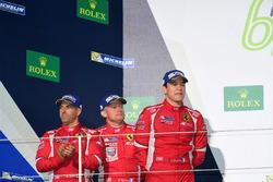 المنصة: المركز الثاني رقم 83 إيه إف كورس فيراري 458 جي تي إي: إيمانويل كولارد، روي آغواس، فرانسوا بي