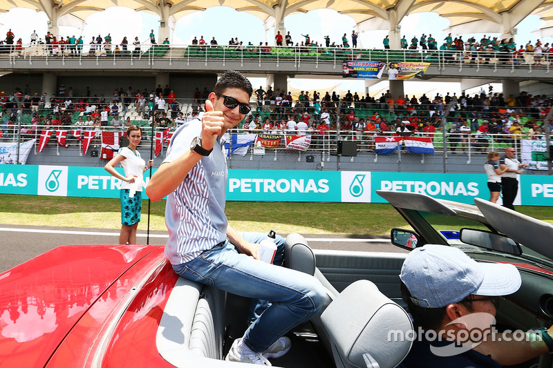 Esteban Ocon, Manor Racing on the drivers parade
