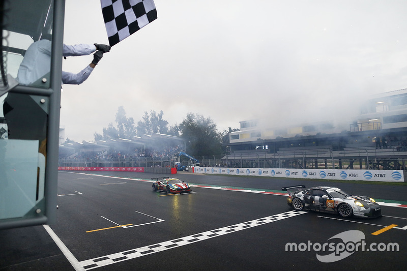 #88 Proton Racing Porsche 911 RSR: Khaled Al Qubaisi, David Heinemeier Hansson, Patrick Long finishes first in LM GTE Am