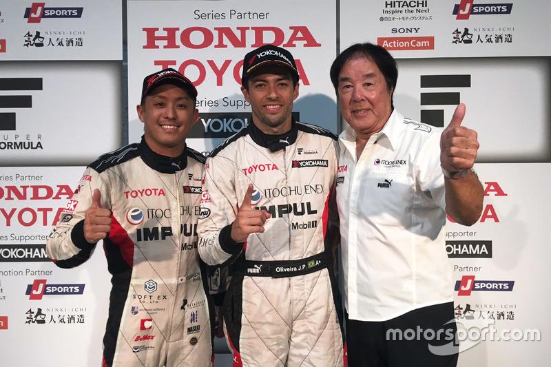 Sieger Joao Paulo de Oliveira, Team Impul; 3. Yuhi Sekiguchi, Team Impul; Kazuyoshi Hoshino, Team Impul, Teamchef
