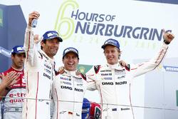 Переможці #1 Porsche Team Porsche 919 Hybrid: Тімо Бернхард, Марк Веббер, Брендон Хартлі