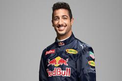 Daniel Ricciardo, Red Bull Racing, avec le logo Aston Martin