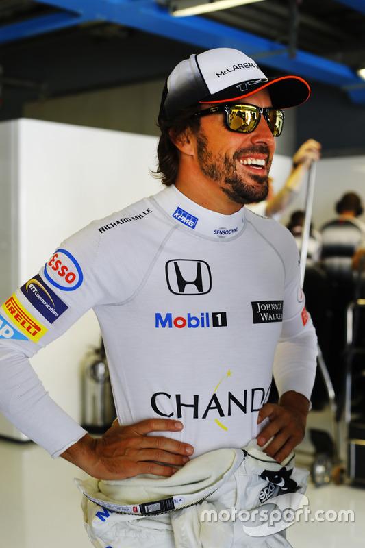Fernando Alonso, McLaren in the garage
