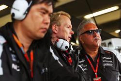Jun Matsuzaki, Sahara Force India F1 Team Ingeniero Senior de neumáticos con Andrew Green, Sahara Fo