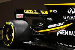 Автомобиль Renault RS17: заднее антикрыло