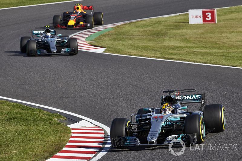 Lewis Hamilton, Mercedes AMG F1 W08, Valtteri Bottas, Mercedes AMG F1 W08, Max Verstappen, Red Bull Racing RB13