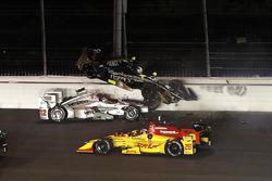 Ryan Hunter-Reay, Andretti Autosport Honda, Will Power, Team Penske Chevrolet, Ed Carpenter, Ed Carpenter Racing Chevrolet, crash