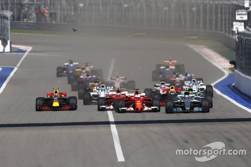 Валттери Боттас, Mercedes AMG F1 W08, Себастьян Феттель, Ferrari SF70H, Кими Райкконен, Ferrari SF70H, Льюис Хэмилтон, Mercedes AMG F1 W08