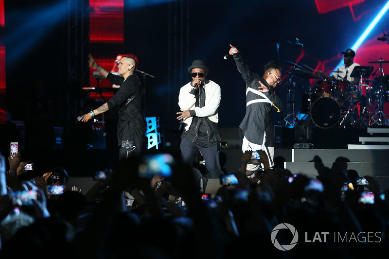 Азербайджан: группа Black Eyed Peas