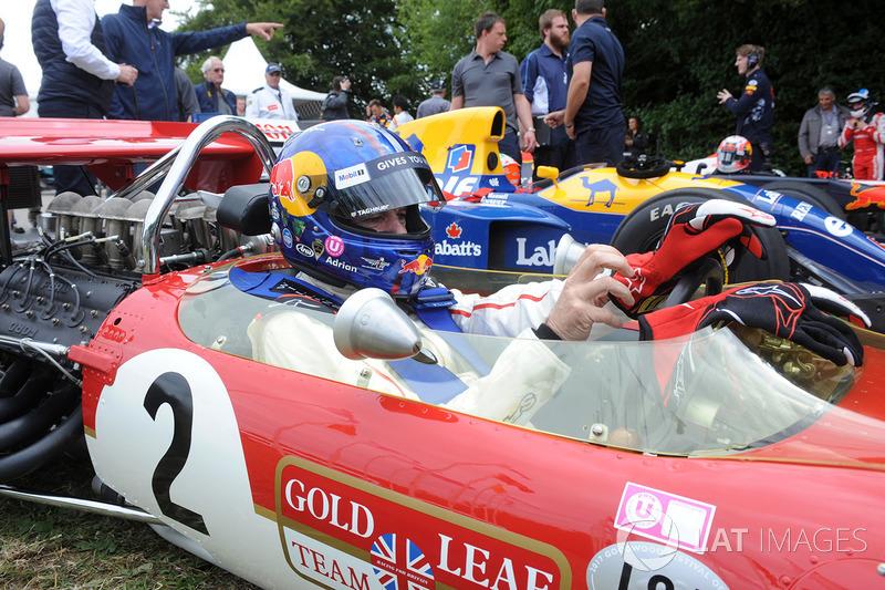 Эдриан Ньюи, Lotus 49