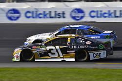 Ryan Newman, Richard Childress Racing Chevrolet and Daniel Suarez, Joe Gibbs Racing Toyota