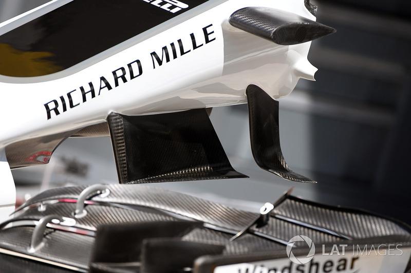 Ala delantera del Haas F1 Team VF-17
