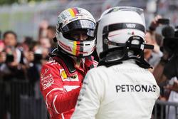 Sebastian Vettel, Ferrari ve Yarış galibi Valtteri Bottas, Mercedes AMG F1