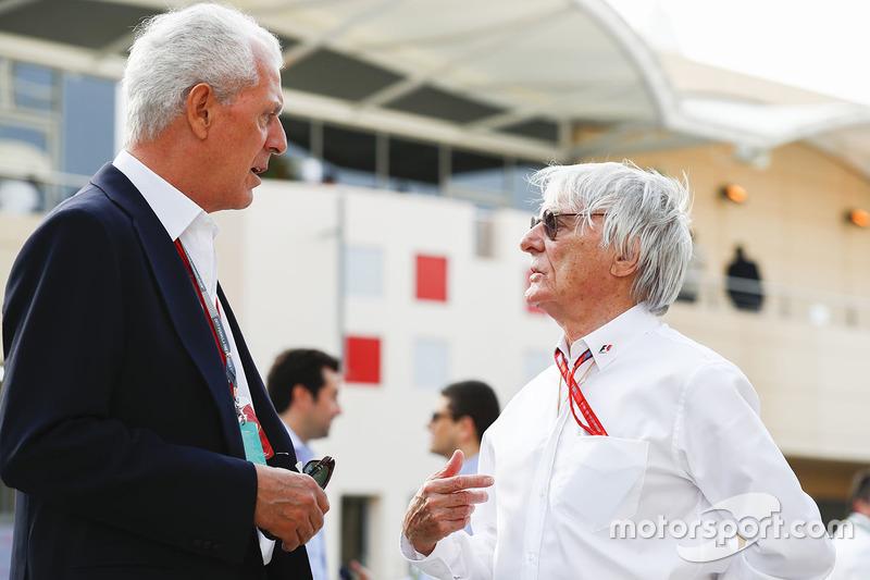 Marco Tronchetti Provera, Vicepresidente Ejecutivo y Director Ejecutivo de Pirelli, con Bernie Ecclestone, Presidente de Honorario de fórmula 1