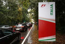 Monza traffic leading to the circuit