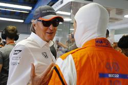 Mansour Ojjeh, McLaren, speaks, Stoffel Vandoorne, McLaren