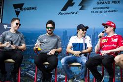 Un evento fan con Stoffel Vandoorne, McLaren, Fernando Alonso, McLaren, Felipe Massa, Williams, Kimi Raikkonen, Ferrari