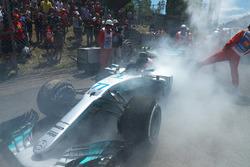 The smoking car of race retiree Valtteri Bottas, Mercedes-Benz F1 W08