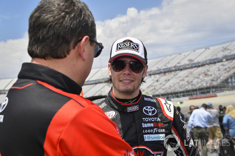 Erik Jones, Joe Gibbs Racing, Toyota, mit Christopher Gabehart