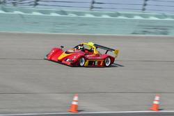 #10 FP1 Radical SR8, Andrew Varona, Limitless Motorsport