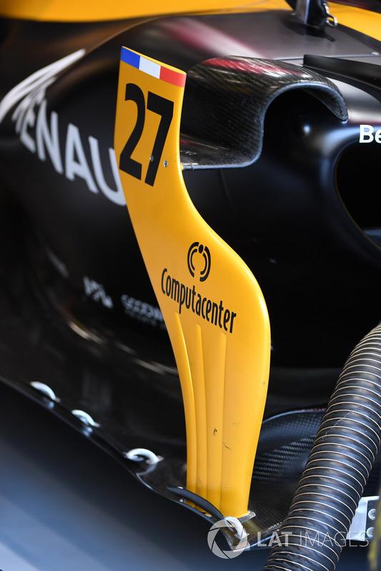Renault Sport F1 Team RS17 barge board