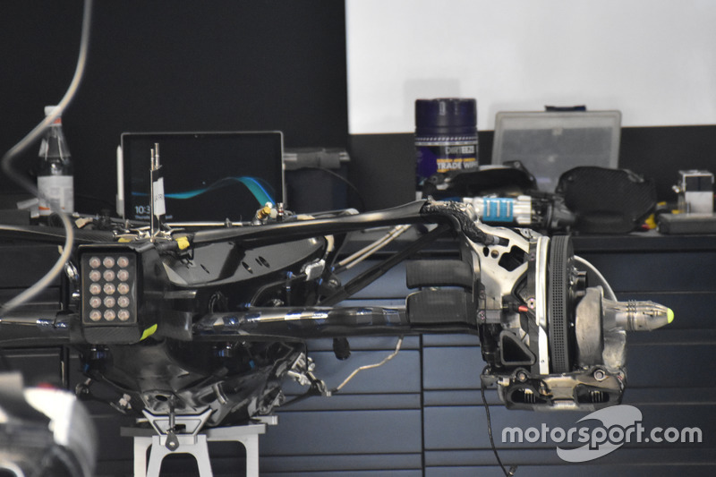 Mercedes-Benz F1 W08, gear box