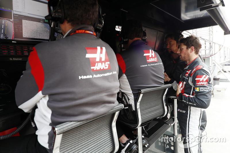 Romain Grosjean, Haas F1 Team, on the pit wall