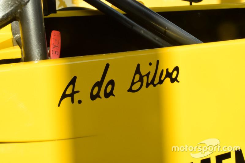 Schriftzug mit Ayrton Sennas Geburtsnamen am Formel-Ford-2000-Auto von Ayrton Senna aus der Saison 1982