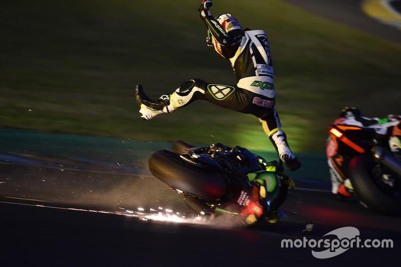 2. #35 Yamaha: Maxime Diard choque