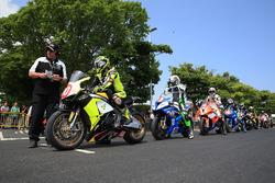 Start of the RL360º Superstock TT race
