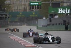 Lewis Hamilton, Mercedes AMG F1 W09, Brendon Hartley, Toro Rosso STR13 Honda, Max Verstappen, Red Bull Racing RB14 Tag Heuer, and Daniel Ricciardo, Red Bull Racing RB14 Tag Heuer