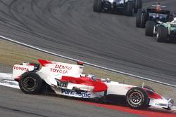 Jarno Trulli, Toyota TF108 con problemas en la arrancada