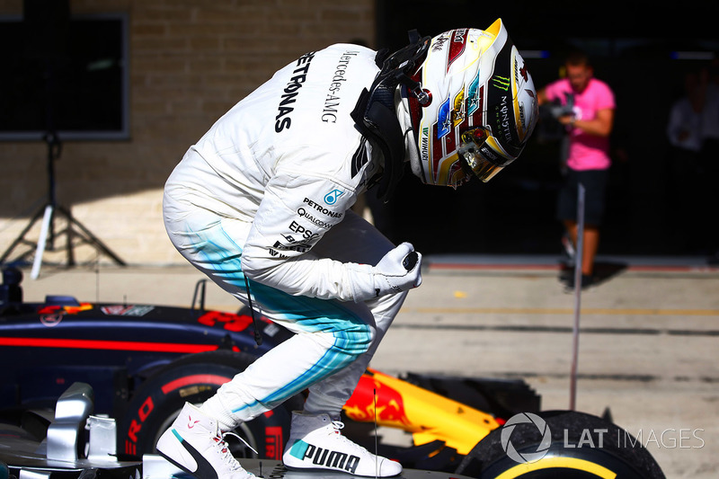 Lewis Hamilton, Mercedes AMG F1 W08, celebrates in Parc Ferme after winning the race