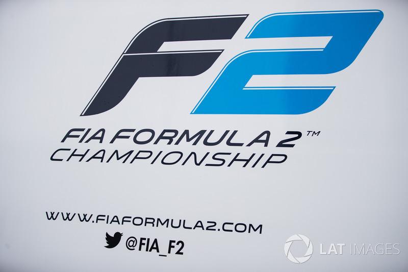 F2 logosu