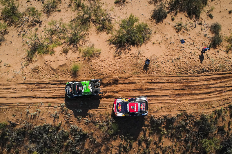 Себастиан Альперн и Эду Пулента, South Racing, Toyota Hilux, Сириль Депре и Давид Кастера, Peugeot Sport, Peugeot 3008 DKR