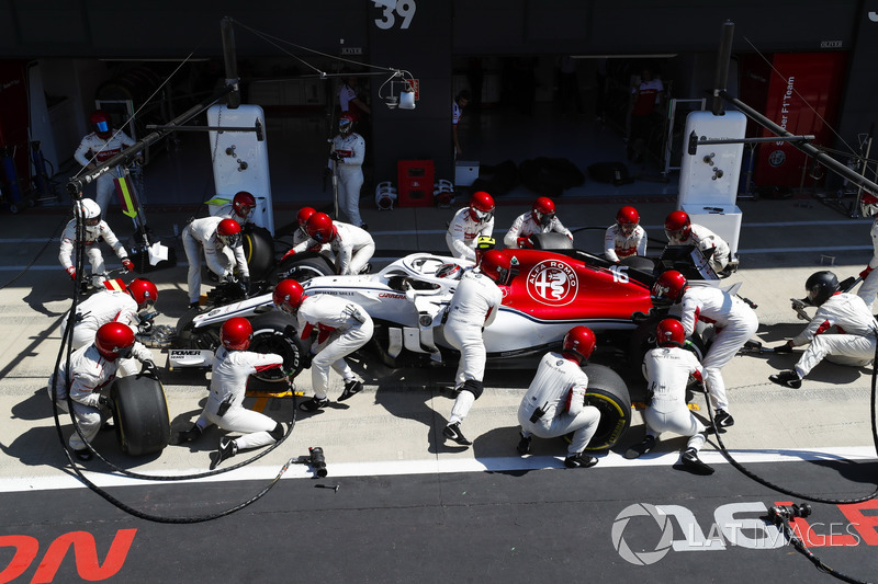 Charles Leclerc, Sauber C37, comes in for a stop