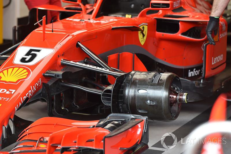 Ferrari SF71H front suspension and wheel hub detail
