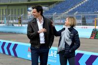 Toto Wolff, Direttore Esecutivo, Mercedes AMG. con Susie Wolff, fondatrice di Dare to be Different