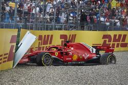 Sebastian Vettel, Ferrari SF71H, crasht