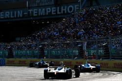 Antonio Felix da Costa, Andretti Formula E Team, leadsStéphane Sarrazin, Andretti Formula E Team, Andre Lotterer, Techeetah