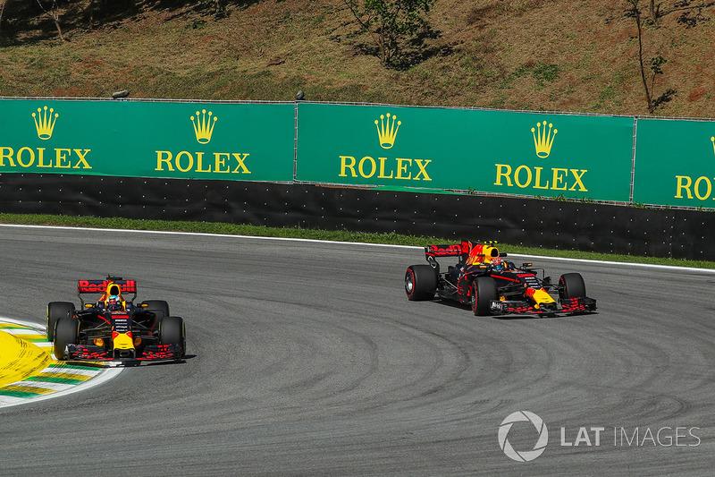 Демонстрация командной тактики от Red Bull после пит-стопа Ферстаппена