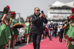 Valtteri Bottas, Mercedes AMG F1 on the drivers parade