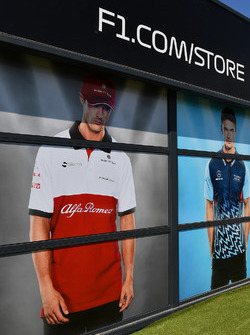 La boutique F1 store