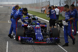 Brendon Hartley, Scuderia Toro Rosso STR13 on the grid
