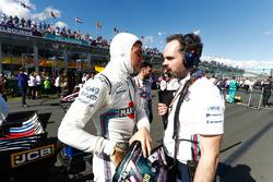Lance Stroll, Williams FW41 Mercedes, avec son ingénieur