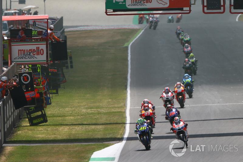 Валентино Россі, Yamaha Factory Racing, Хорхе Лоренсо, Ducati Team