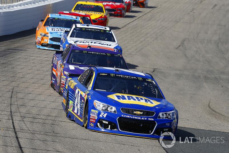 Chase Elliott, Hendrick Motorsports Chevrolet, Denny Hamlin, Joe Gibbs Racing Toyota